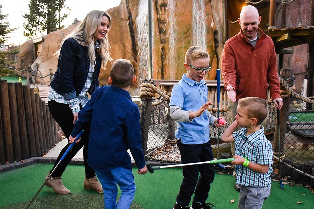 Boondocks - Family Mini Golf Fun